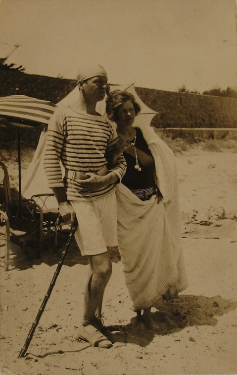 Sara and Gerald Murphy in Antibes 1926