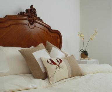 Bed (istockphoto.com)