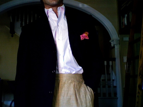 A hastily shot photo rushing out the door of me in post-Labor Day linen trousers